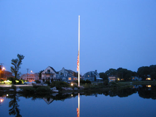 [flag at half-staff mourning Senator Edward Kennedy]
